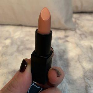 NARS Crushing Lipstick